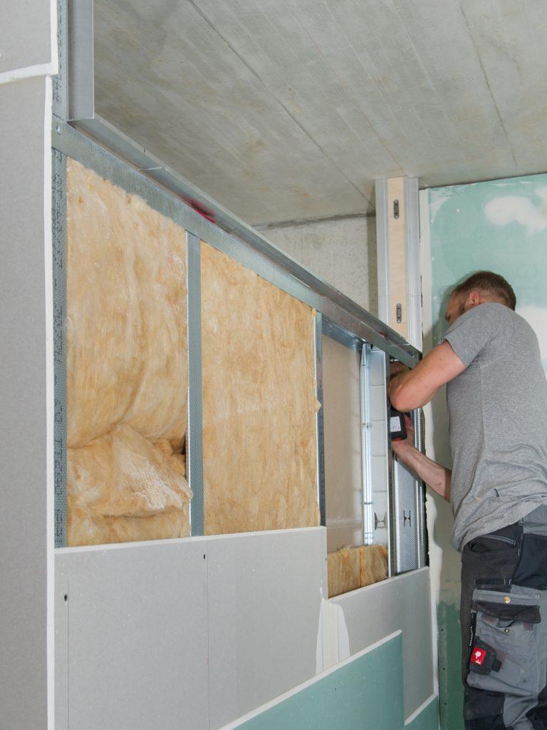 Planline Fertigfenster Trockenbau hat Systemcharakter und ist zeitsparend zu montieren.